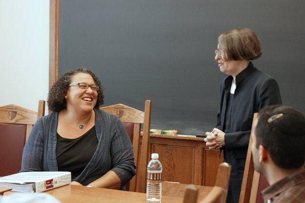 Kim Harris visits Yale Law School.